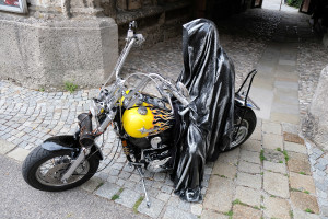 time-traveler-raider-bike-angle-ghost-guardian-manfred-kielnhofer-vehicle-theatre-art-arts-design-mobile-galerie-museum-2196